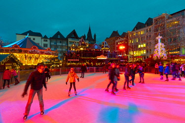 DE07279 Ice Skating Rink, Cologne Christmas Market, Cologne, Germany