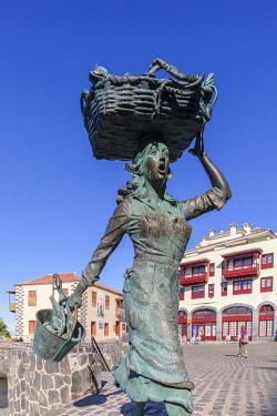 ES09411 The Monument to the Fisherwoman of Puerto de la Cruz and the Museum of Contemporary Art Eduardo Westerdahl, Puerto de la Cruz, Tenerife, Canary Islands, Spain