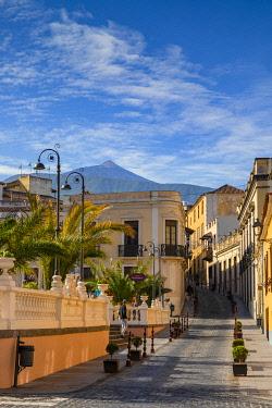 ES09412 Street Scene, La Orotava, Tenerife, Canary Islands, Spain
