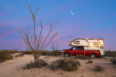 MEX1903AW Central America, Mexico, Mexican, Baja, Baja California, Sur, Camping in the desert (DM)