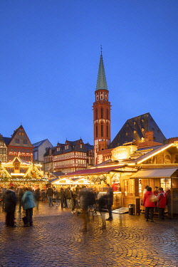 GER11605AW Frankfurt Christmas Market at dusk, Frankfurt am Main, Hesse, Germany
