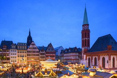 GER11612AW Frankfurt Christmas Market at dusk, Frankfurt am Main, Hesse, Germany