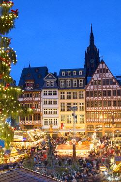 GER11622AW Frankfurt Christmas Market at dusk, Frankfurt am Main, Hesse, Germany