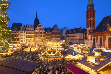 GER11615AW Frankfurt Christmas Market at dusk, Frankfurt am Main, Hesse, Germany