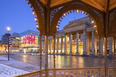 GER11617AW Kunstmuseum Stuttgart in Schlossplatz at dawn, Stuttgart, Baden-Württemberg, Germany