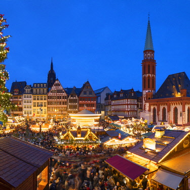 GER11619AW Frankfurt Christmas Market at dusk, Frankfurt am Main, Hesse, Germany