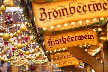 GER11623AW Frankfurt Christmas Market, Frankfurt am Main, Hesse, Germany