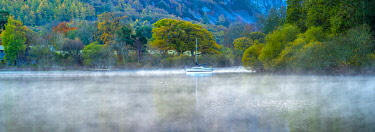 UK08428 UK, Cumbria, Lake District, Keswick, Derwentwater, Lord's Island on right