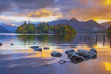 UK08423 UK, Cumbria, Lake District, Keswick, Derwentwater, Derwent Isle