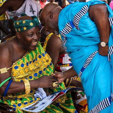 GHA0230AW Ghana, Kumasi, Akwasidae festival. Colorful dressed chiefs during the greeting ceremony at The Akwasidae Festival (alternate, Akwasiadae) is celebrated by the Ashanti people and chiefs in Ashanti, as...