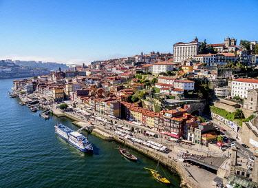 POR10327AWRF Douro River and Cityscape of Porto, elevated view, Portugal