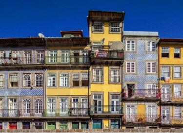 POR10344AWRF Colourful houses at Cais da Ribeira, Porto, Portugal