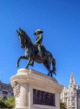 POR10351AW Dom Pedro IV Statue, Praca da Liberdade, Porto, Portugal