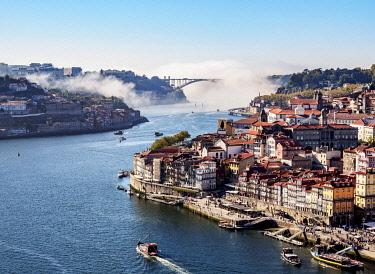 POR10364AW Douro River and Cityscape of Porto, elevated view, Portugal