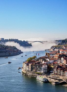 POR10365AW Douro River and Cityscape of Porto, elevated view, Portugal