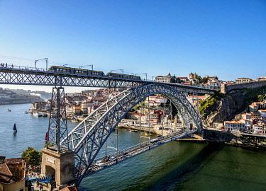 POR10368AW Dom Luis I Bridge, elevated view, Porto, Portugal