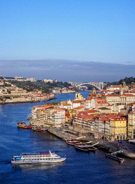 POR10378AW Douro River and Cityscape of Porto, elevated view, Portugal