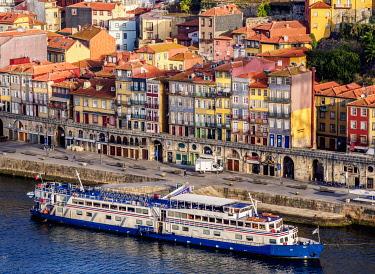 POR10379AW Colourful houses of Ribeira, elevated view, Porto, Portugal