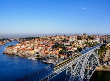 POR10381AW Dom Luis I Bridge, elevated view, Porto, Portugal