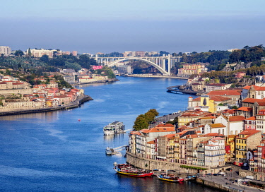POR10382AW Douro River, elevated view, Porto, Portugal