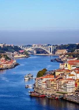 POR10383AW Douro River, elevated view, Porto, Portugal