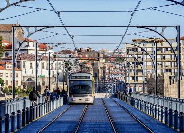 POR10385AW Metro do Porto at Dom Luis I Bridge, Porto, Portugal