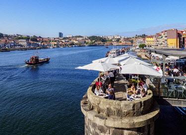 POR10387AW Bar Ponte Pensil, Dom Luis I Bridge, Porto, Portugal