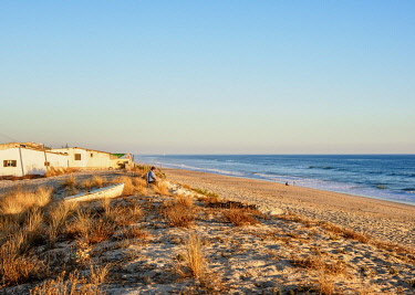 POR10427AW Faro Beach, Ilha de Faro, Ria Formosa Natural Park, Faro, Algarve, Portugal
