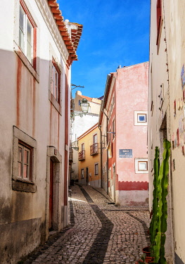 POR10435AW Narrow Lane of Alfama, Lisbon, Portugal
