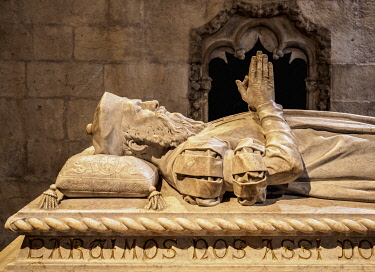 POR10438AW Vasco da Gama Tomb, Church of Santa Maria, Jeronimos Monastery, Belem, Lisbon, Portugal