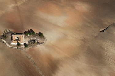 IBXFFF03795541 Aerial view, house with fields in the Sierra de Cádiz, Andalusia, Spain, Europe