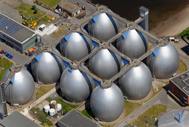 IBLHWE03422521 Aerial view, Koehlbrandhoeft sewage treatment plant, septic tanks, Hamburg, Hamburg, Germany, Europe