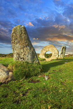 IBXPWN04354802 MIÌn-an-Tol, Men an Toll or the Crick Stone, late Neolithic or early Bronze Age, standing stones, near Madron, Penwith peninsula, Cornwall, England, United Kingdom, Europe