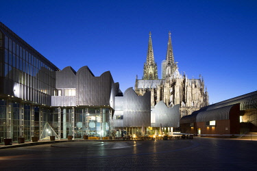 IBXRBB03974313 Museum Ludwig and Cologne Cathedral, Cathedral  of Saint Peter and Paul, historic centre, Cologne, North Rhine-Westphalia, Germany, Europe