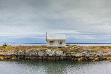 CA05150 Canada, Nova Scotia, Blue Rocks, coastal fishing village, fishing shack