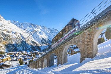SWI8353AWRF Mürren, Berner Oberland, canton of Bern, Switzerland. Funicular to Allmendhubel