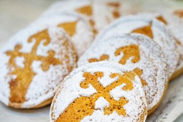 SPA8893AW Spain, Galicia, Santiago de Compostela, camino symbol on cookies