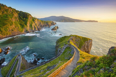 SPA8815AW Spain, Basque country, San Juan de Gaztelugatxe, view from church