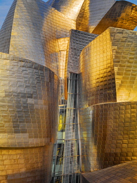 SPA8749AW Spain, Basque Country Region, Vizcaya Province, Bilbao, Guggenheim Museum by architect Frank Gehry.
