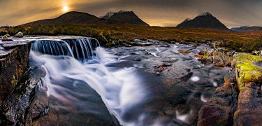 IBXSEI04810575 River Etive in foreground with summit of Stob Dearg in background, Glen Coe, Rannoch Moor, west Highlands, Scotland, United Kingdom, Europe