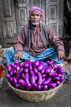 CLKSL100374 Eggplants seller, Kathmandu, Nepal