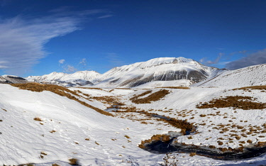 CLKFR102789 Winter in Sibillini Mountains National Park, Castelluccio di Norcia village, Perugia district, Umbria, Italy