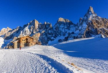 CLKFR103762 Segantini alpine hut, Passo Rolle, Pale di San Martino mountain, Trentino Alto Adige region, Dolomites Alps, Italy, Europe