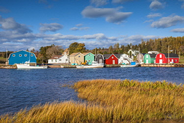 CA06100 Canada, Prince Edward Island, French River, small fishing harbor