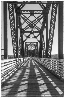 CA06121 Canada, New Brunswick, Central New Brunswick, Fredericton, Bill Thorpe Walking Bridge