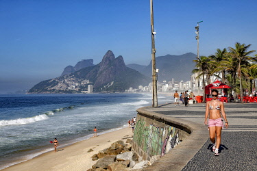 BRA3760 The famous beach of Ipanema in Rio de Janeiro.