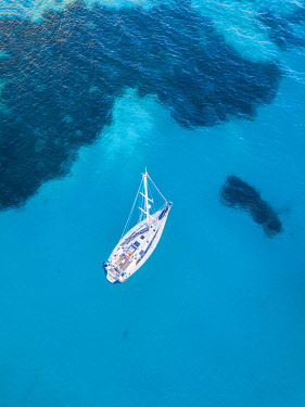 SPA8929AWRF Aerial view of yacht, Menorca, Balearic Islands, Spain