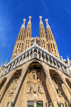 SPA8963AWRF The Passion Facade of Sagrada Familia basilica church, Barcelona, Catalonia, Spain