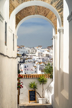 SPA9023AW Scenic skyline view of Vejer de la Frontera, Andalusia, Spain