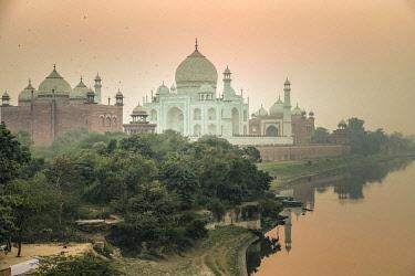 IN340RF India, Agra, Taj Mahal (UNESCO World Heritage Site)